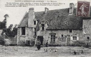 La légende de la carte postale comporte deux erreurs flagrantes : - Guillaume Artur n'est pas « écuyer de Louis XIII » - Madeleine de Robinaux n'est pas « dame d'honneur »